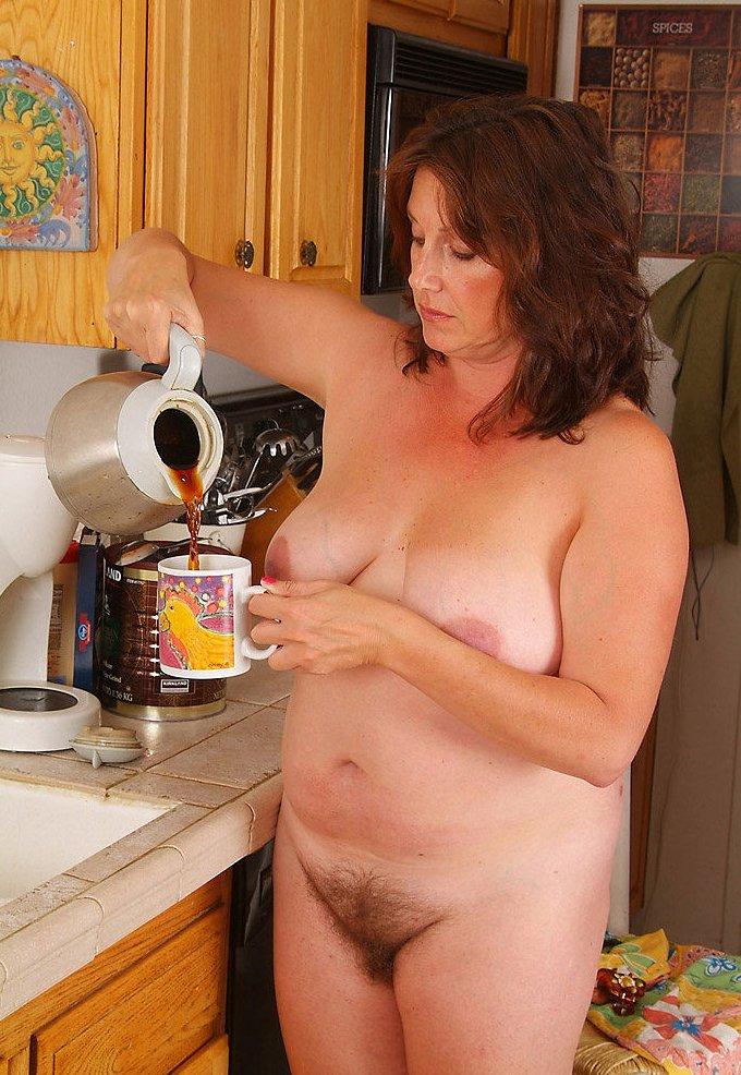 фото зрелых волосатых голых женщин
